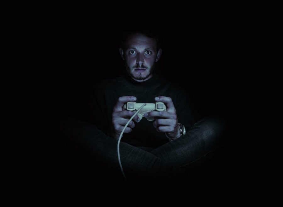 Obesity, increase in violence and aggression are two negative aspects of playing video games, according to studies.